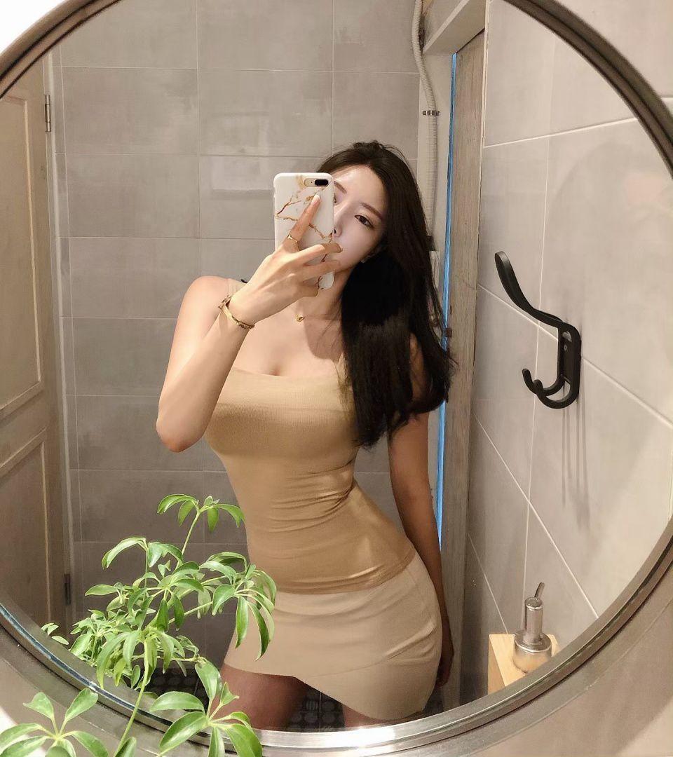 极致诱惑!韩国第一超模cxxsomi再发诱人自拍 网友表示太废纸了
