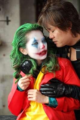 """波多野结衣化身""""女小丑""""肉搏蝙蝠侠!大玩捆绑PLAY「麻绳磨穴」淫水直流!"""
